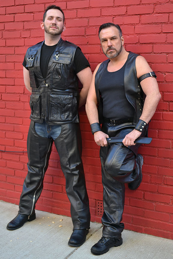 Free gay leathermen pictures
